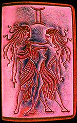 знак зодиака май
